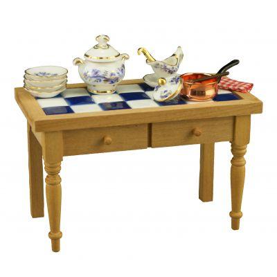 Kitchen Table Blue Onion