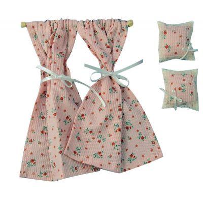 Curtains & 2 Cushions Pink