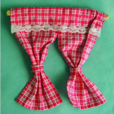 pr Pink Curtains & Pole