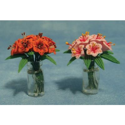 Lilllies in Glass Vase 2asst (price each)