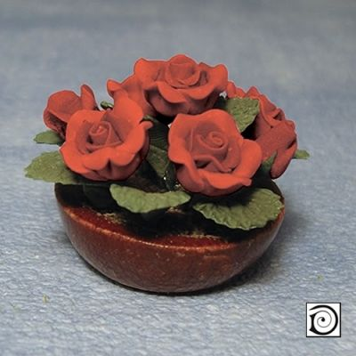 Bowl of red roses