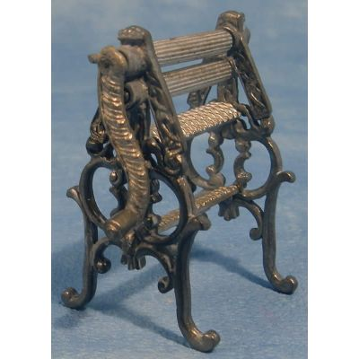 Small Working Mangle, 6cm high