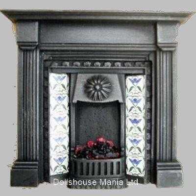 Lit  Fireplace (F4C)